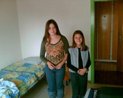 Anna et Alvina dans leur chambre